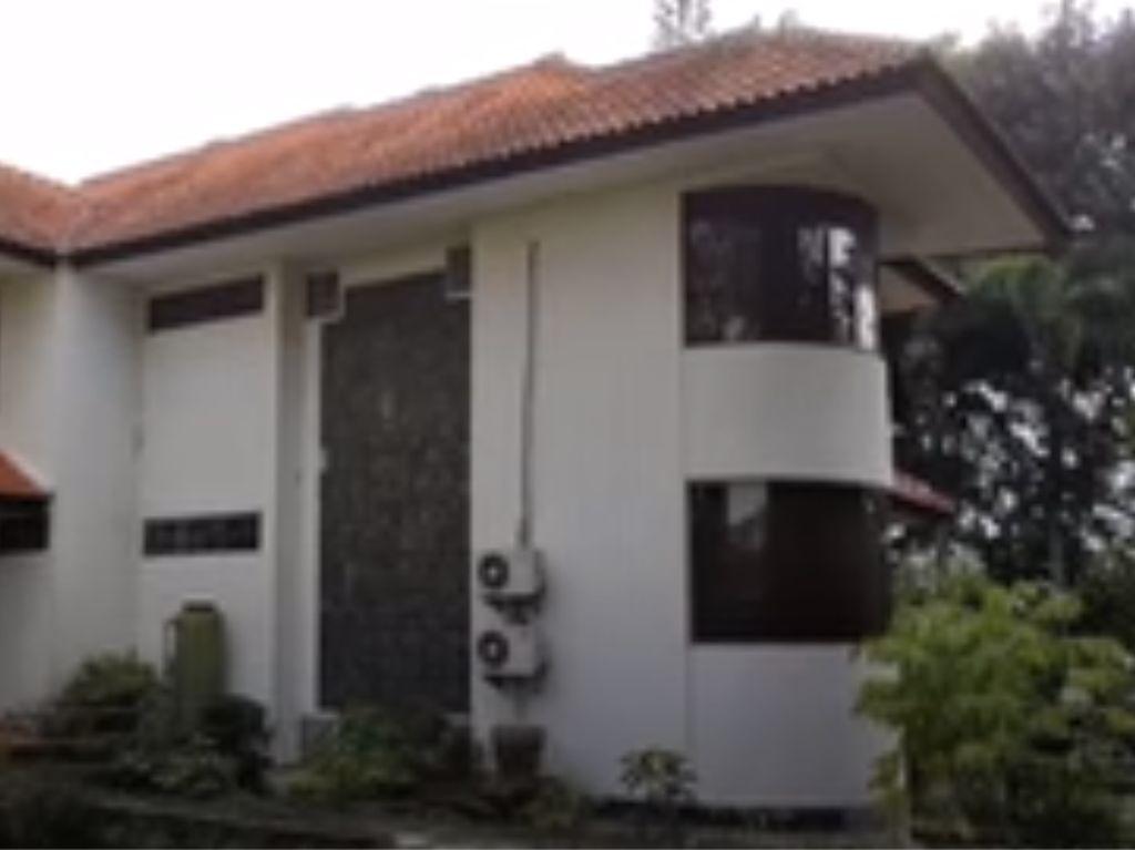 Menguak Kisah Mistis di Balik Rumah Mewah Terbengkalai di Parongpong