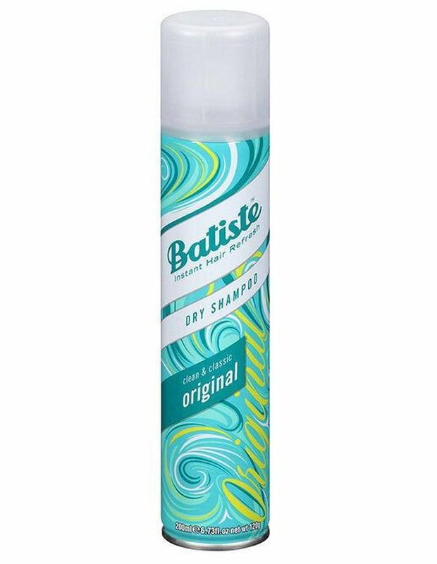 Dry shampoo bisa juga digunakan untuk pakaian
