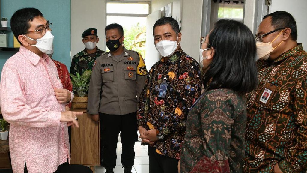Penyerahan Kunci Rumah ke ASN Lampung
