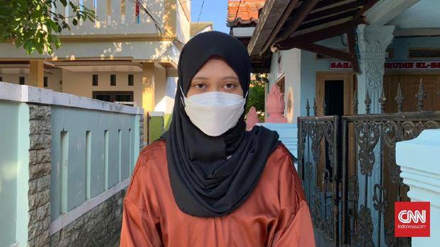 Latifah salah satu karyawan Agensi Periklanan di Jakarta Selatan