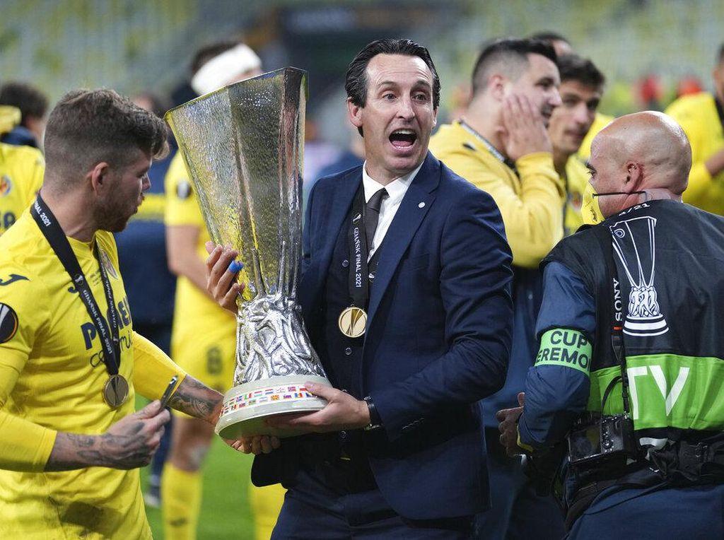 Trofi Liga Europa, Respons Emery usai Dipecat Arsenal