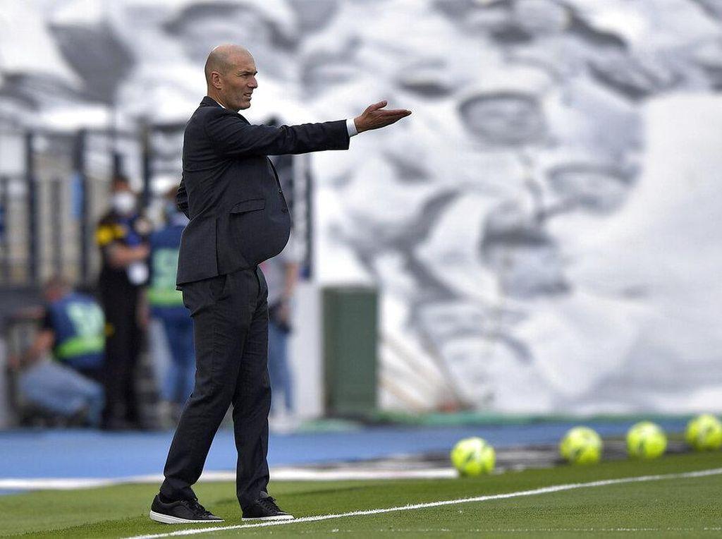 Zidane Segera Ucapkan Adios ke Real Madrid?
