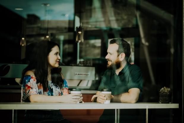 Gunakan komunikasi yang tepat saat berkomunikasi dengannya
