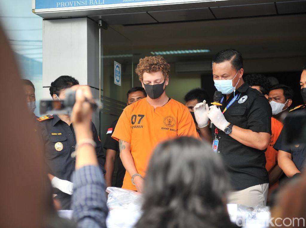 Bikin Halu Parah, Ini Bahaya Narkotika DMT yang Dipesan WN Rusia di Bali