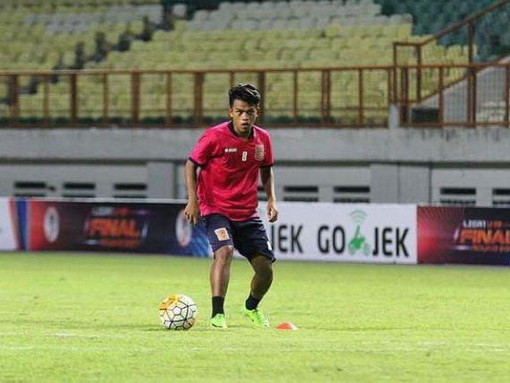 Persijap Rekrut Kembali Eks Gelandang Persis dan Borneo FC
