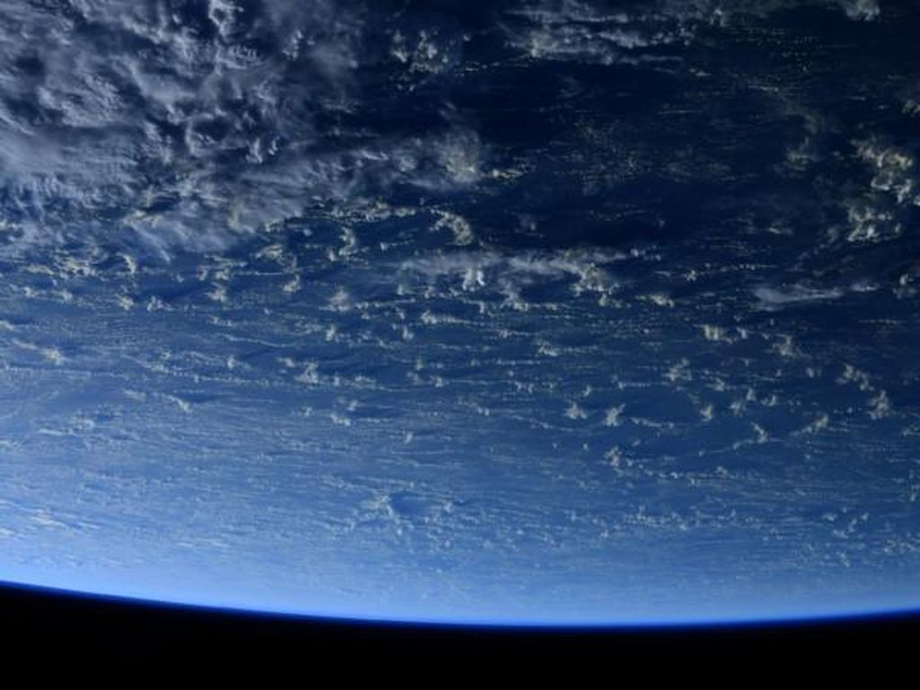 Astronaut Jepret Foto Aneh Bumi Tanpa Ada Daratan