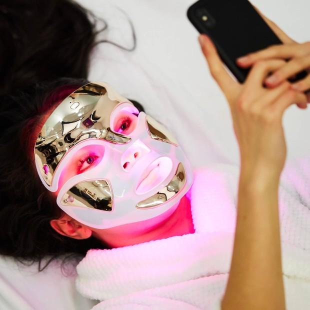 Keamanan LED mask.