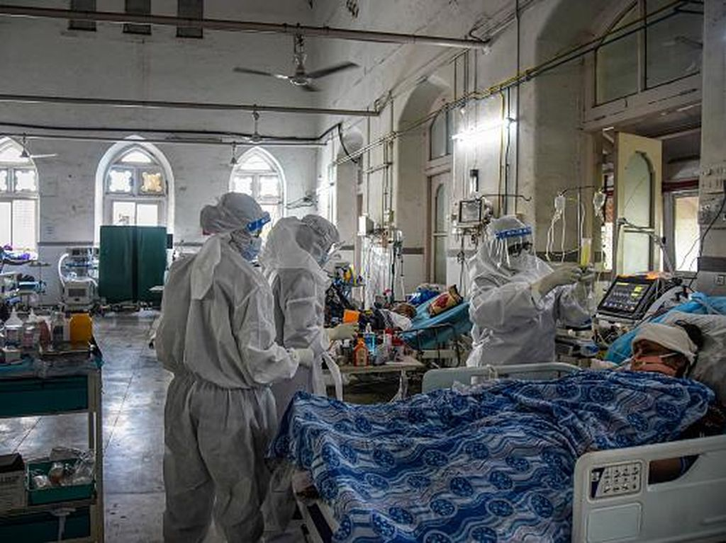 Update COVID di India: 132 Ribu Kasus Harian- Abu 1.200 Jenazah Ditenggelamkan