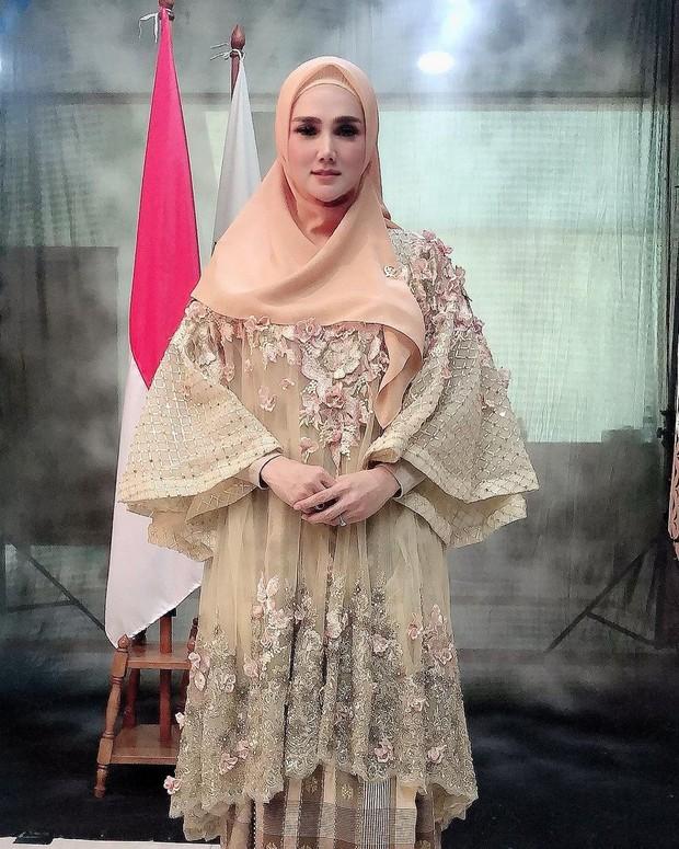 Mulan Jameela tampil menawan di acara pelantikan anggota DPR/instagram.com/mulanjameela1