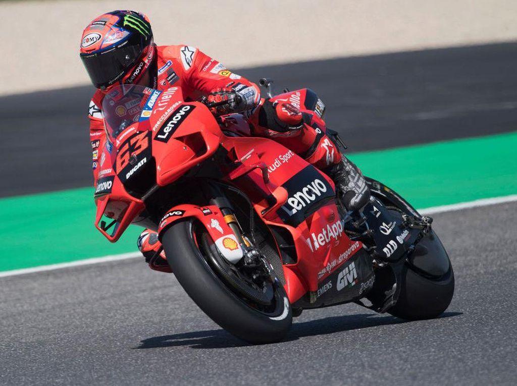 Hasil Latihan Bebas 3 MotoGP Italia: Bagnaia Tercepat, Rossi Kalah Kencang dari Sang Adik