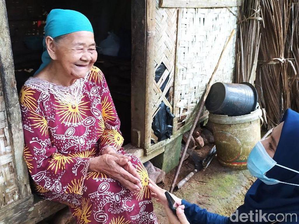 Alhamdulillah, Netizen Bantu Bangun Rumah Nenek Sebatang Kara di Ciamis
