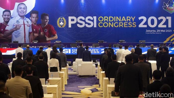 PSSI menggelar Kongres Tahunan pertama kalinya di masa pandemi COVID-19, di Hotel Raffles, Jakarta, Sabtu (29/5/2021). Agenda Kongres PSSI yang pertama memaparkan laporan pelaksanaan program PSSI tahun 2020 dan rencana program PSSI tahun 2021. Selain itu juga ada agenda lain seperti pengesahan anggota baru.
