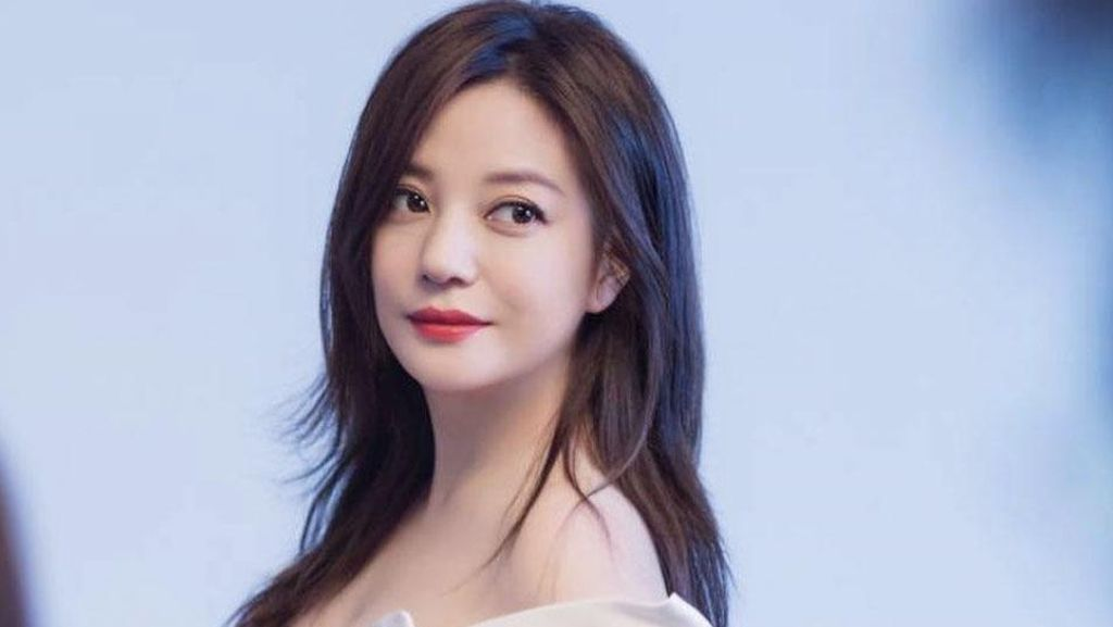 Awet Muda, Ini Foto Vicki Zhao 22 Tahun Setelah Putri Huan Zhu Berlalu
