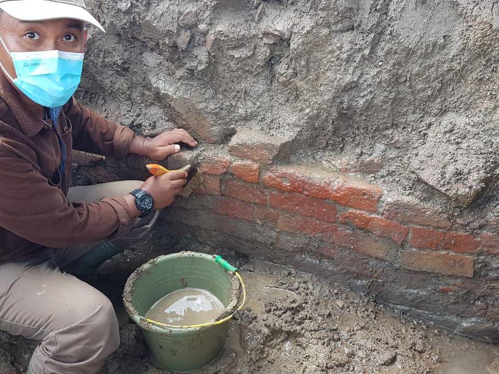 Arkeolog Temukan Struktur Bangunan di Lokasi Bata yang Diduga Candi