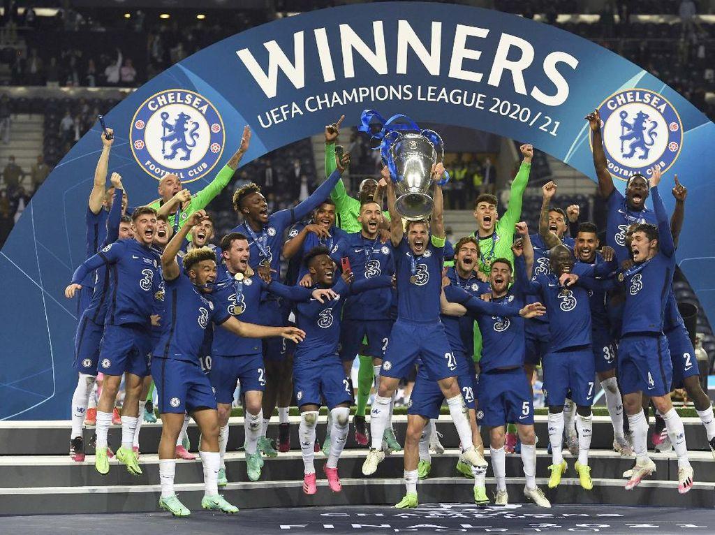 Melihat Pesta Juara Chelsea