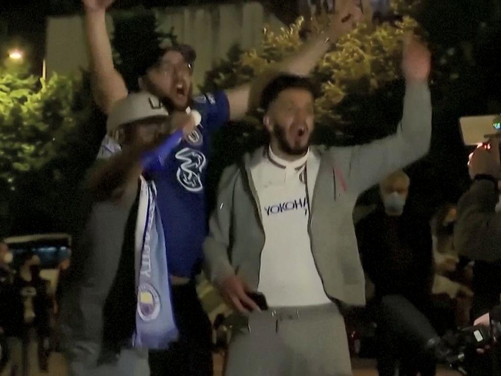 Euforia Para Suporter Rayakan Kemenangan Chelsea di Liga Champions