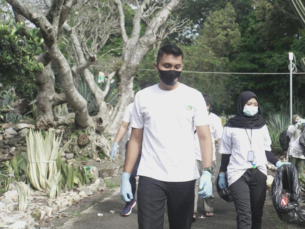 Yuk, Bersihkan Kebun Raya Bogor dari Sampah Plastik