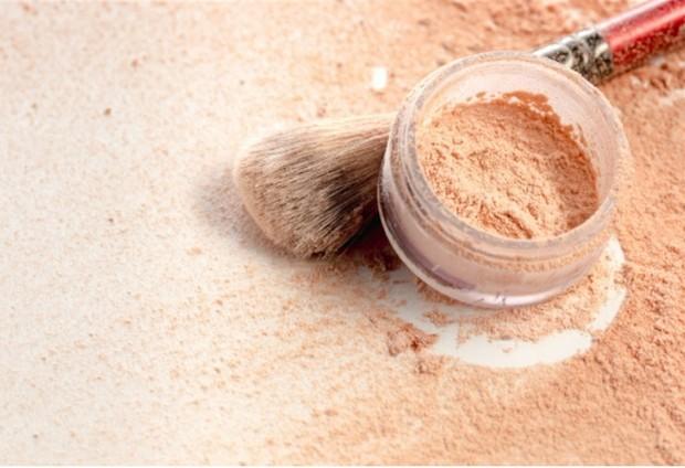 Loose Powder   Freepik.com