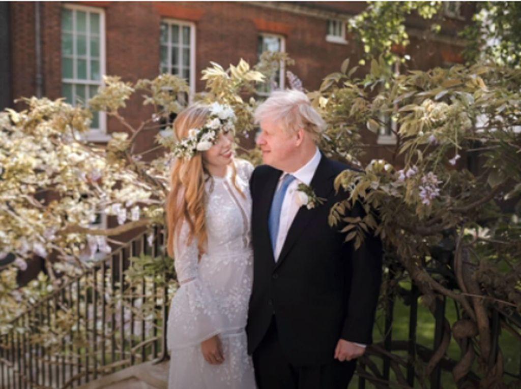 PM Inggris Gelar Pernikahan Rahasia, Mempelai Wanita Bergaun Rp 58 Juta