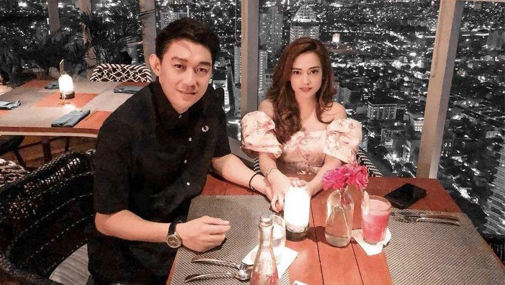 Resmi Menikah, Ini Momen Ifan Seventeen dan Citra Monica saat Makan Malam Romantis