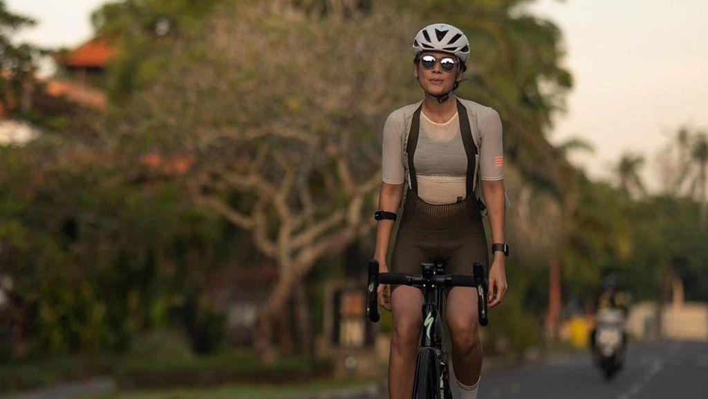 Deretan Artis Cantik Indonesia dengan Road Bike
