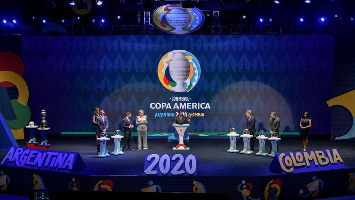 CARTAGENA, COLOMBIA - DECEMBER 03: Director of Competitions of CONMEBOL Hugo Figueredo speaks during the draw for Copa America 2020 co-hosted by Argentina and Colombia at Centro de Convenciones de Cartagena de Indias on December 03, 2019 in Cartagena, Colombia.  (Photo by Guillermo Legaria/Getty Images)