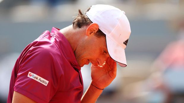 PARIS, FRANCE - MAY 30: Dominic Thiem of Austria reacts in his First Round match against Pablo Andujar of Spain during Day One of the 2021 French Open at Roland Garros on May 30, 2021 in Paris, France. (Photo by Julian Finney/Getty Images)