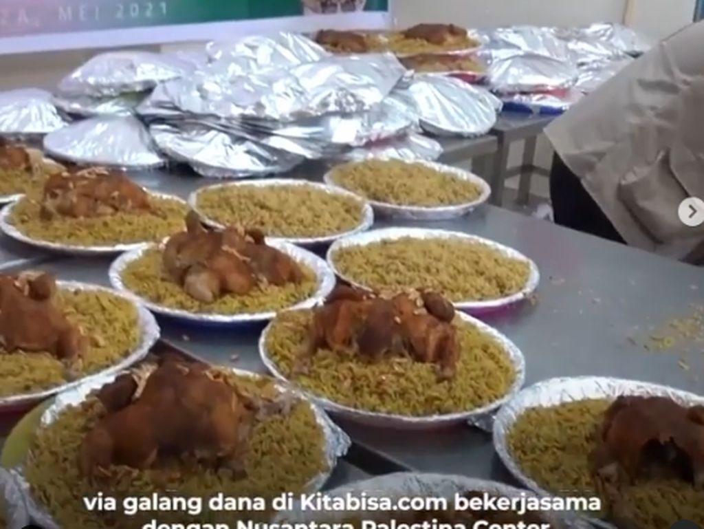 Fadil Jaidi Galang Dana untuk Palestina, Bagikan Nasi Biryani Ayam