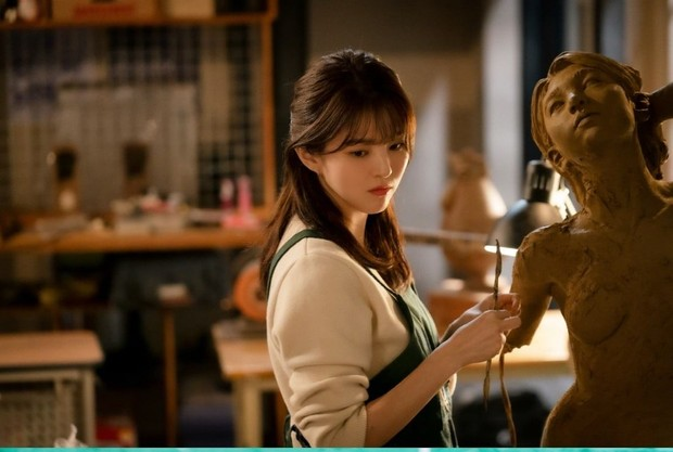 Han So Hee dalam drama Nevertheless