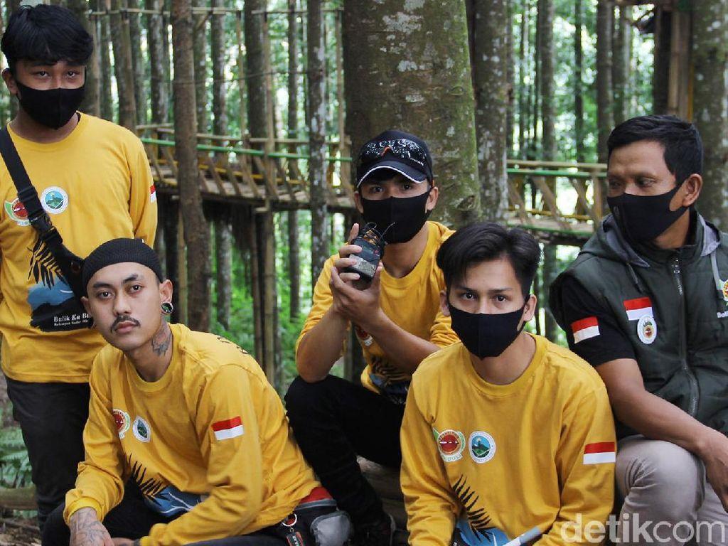 Kala Pemuda Ciparay Ikut Lestarikan Hutan dan Elang Jawa