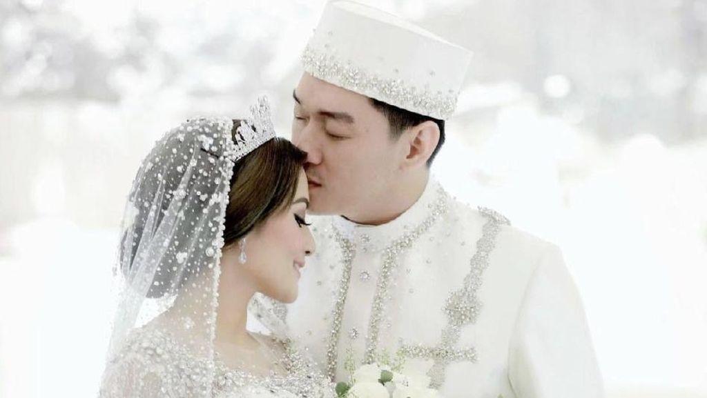8 Foto Pernikahan Ifan Seventeen dan Citra Monica, Mas Kawinnya Dollar