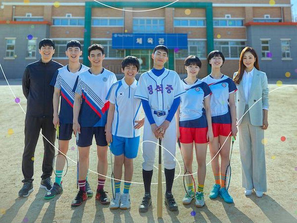 Profil 4 Aktor Muda Tim Bulu Tangkis Pria di Drama Racket Boys