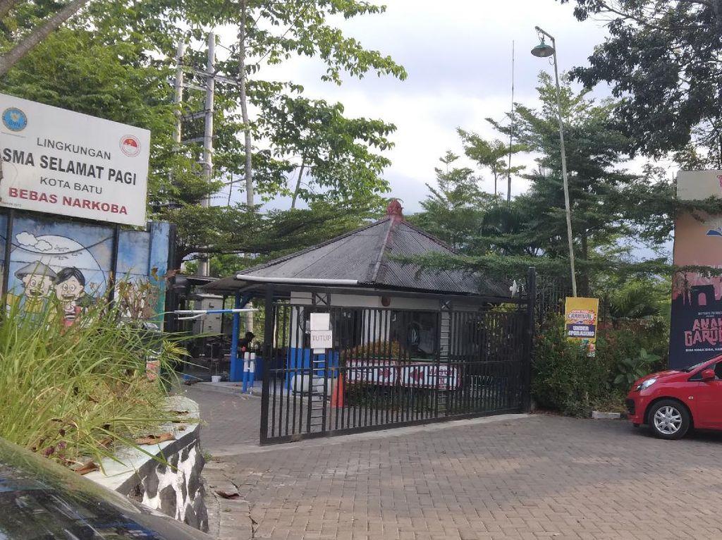 Polisi Olah TKP Kasus Dugaan Kekerasan Seksual Pemilik Sekolah SPI di Batu