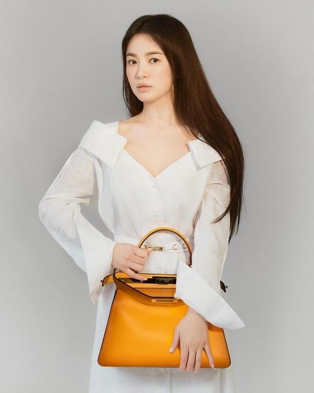 Song Hye Kyo menjadi brand ambassador Fendi (foto: instagram.com/kyo1112)