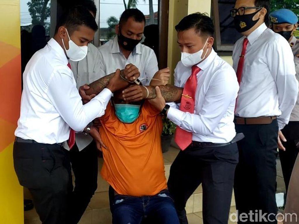 Polisi Telusuri Jejak Hitam Preman Garut Dadang Buaya