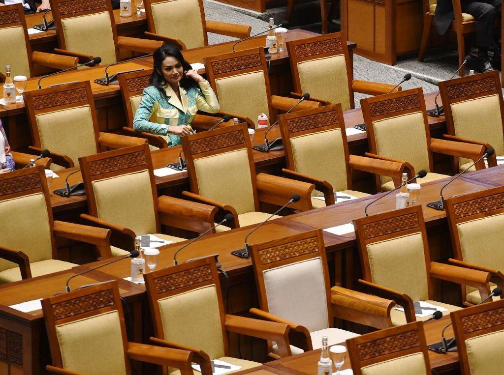 Anggota DPR Juga Dapat Tunjangan Kehormatan, Segini Jumlahnya