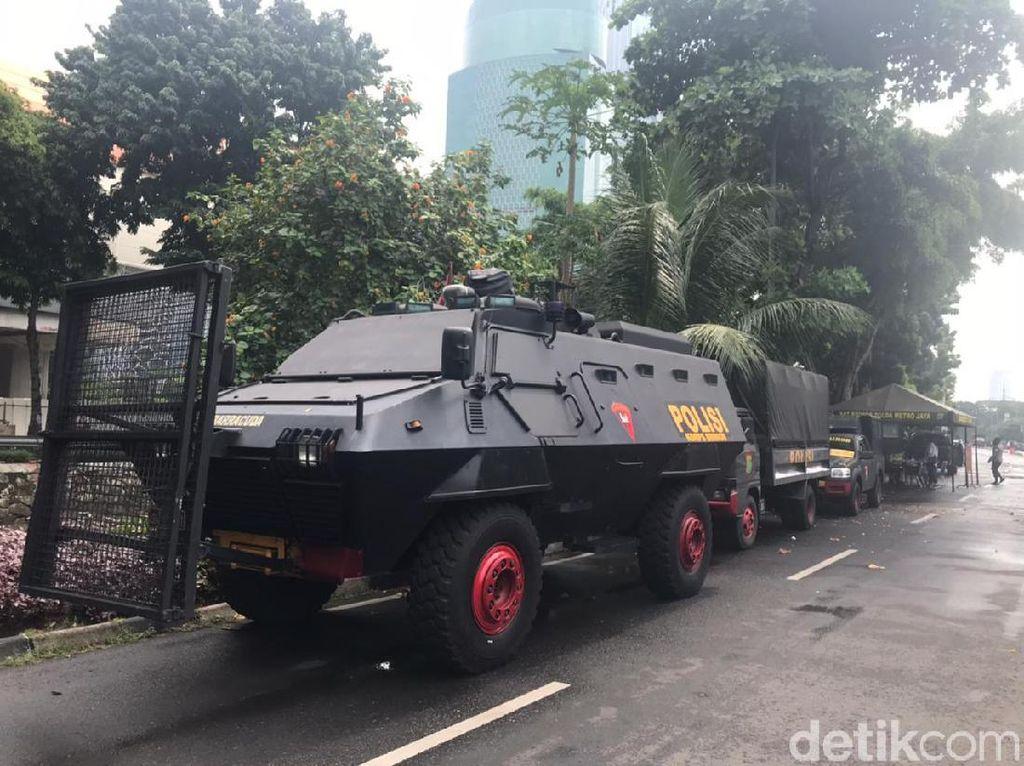 Gedung KPK Dijaga Ketat Lagi: Jalan Ditutup, Water Cannon-Barracuda Siaga
