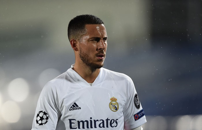MADRID, SPAIN - APRIL 27:  Eden Hazard of Real Madrid looks on  during the UEFA Champions League Semi Final First Leg match between Real Madrid and Chelsea FC at Estadio Alfredo Di Stefano on April 27, 2021 in Madrid, Spain. Sporting stadiums around Spain remain under strict restrictions due to the Coronavirus Pandemic as Government social distancing laws prohibit fans inside venues resulting in games being played behind closed doors. (Photo by Denis Doyle/Getty Images)
