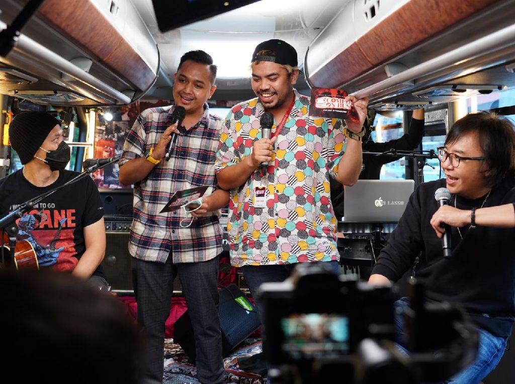 Majelis Lucu Indonesia Buat Acara Komedi di Bus
