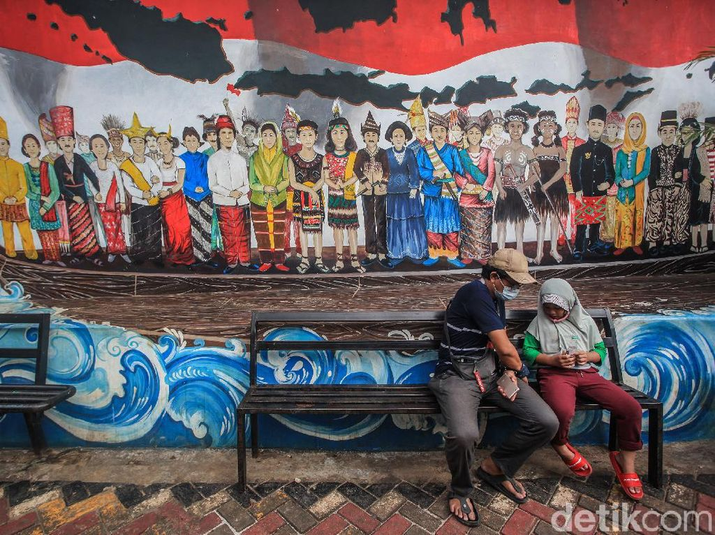 Melongok Mural Keren di Kampung Pancasila