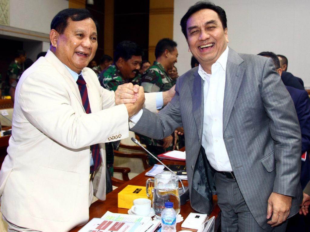 Manuver Effendi Simbolon: Serang Prabowo, Capreskan Puan