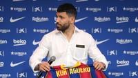 Video: Latihan Perdana Sergio Aguero di Barcelona