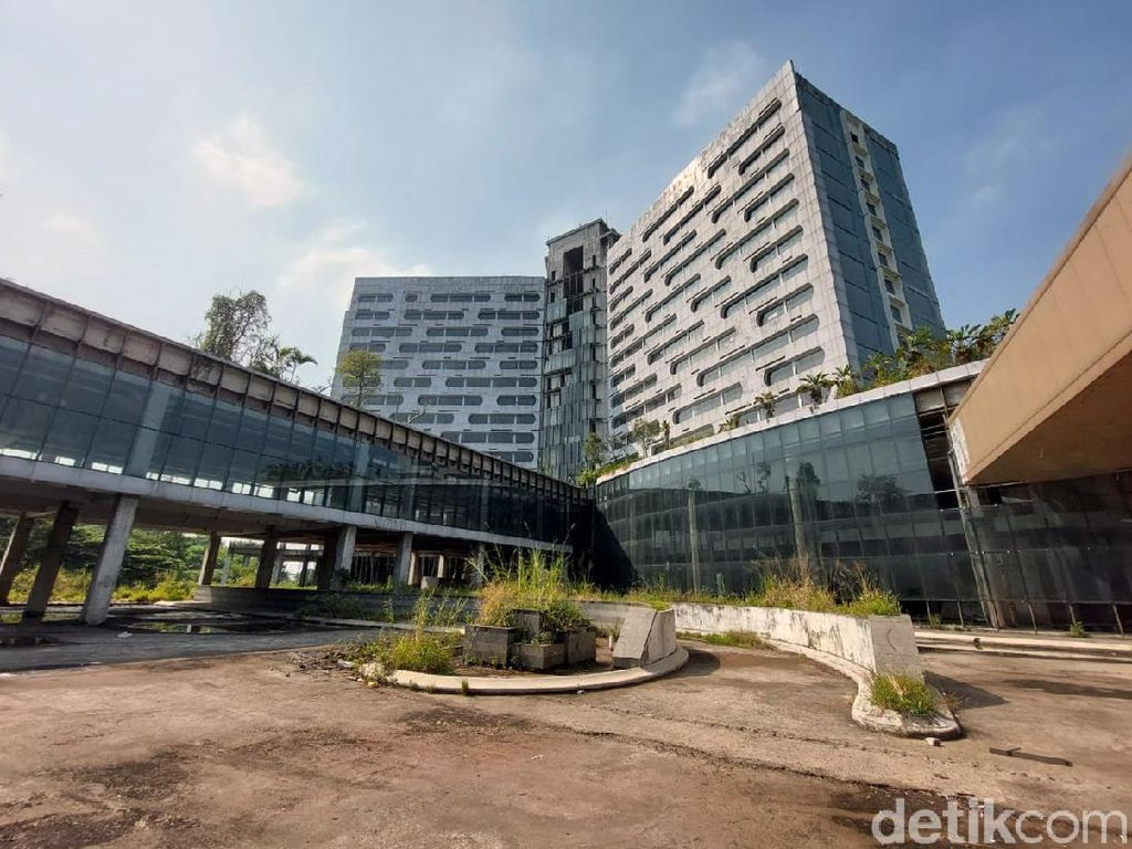 Diimpikan Jadi Bangunan Megah, Kondotel di Bandung Ini Malah Terbengkalai