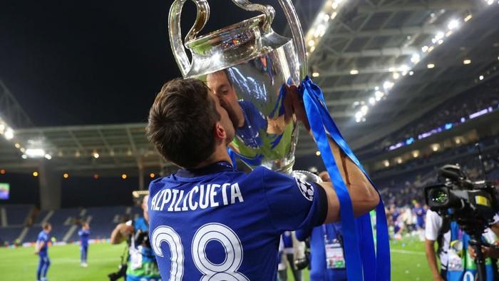 Cesar Azpilicueta, calon legenda Chelsea (Getty Images/Carl Recine - Pool)