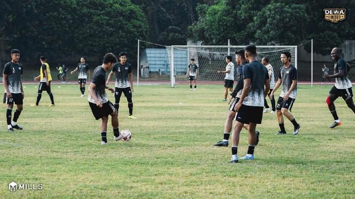 Dewa United akan pemusatan latihan di Jawa Tengah dan Jawa Timur.