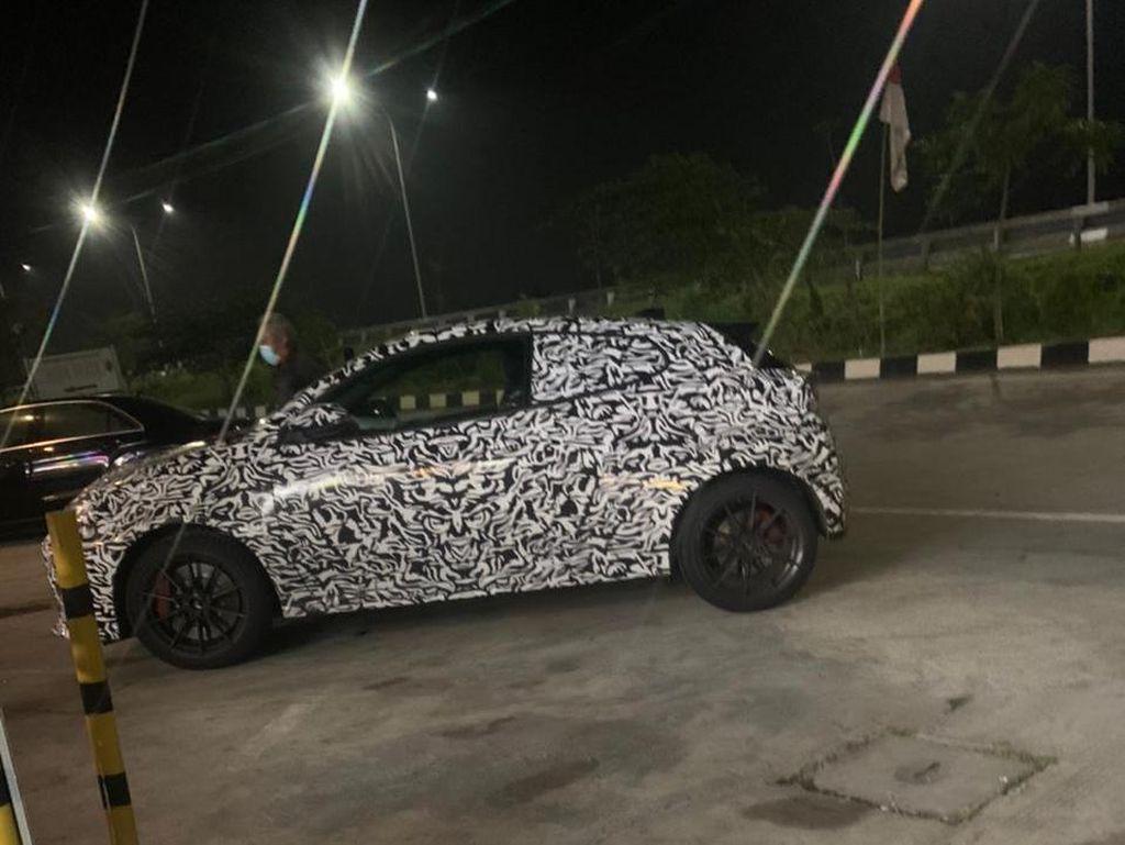 Ketangkap Kamera, Toyota GR Yaris Diuji di Tol Trans Jawa