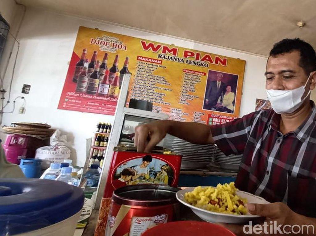 Berusia 95 Tahun, Ini Potret Warung Makan Pian yang Legendaris di Tegal