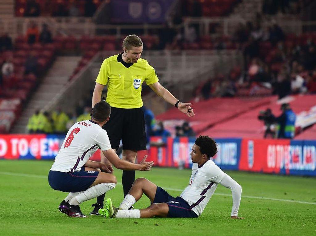 Duh! Alexander-Arnold Malah Cedera Menjelang Euro 2020