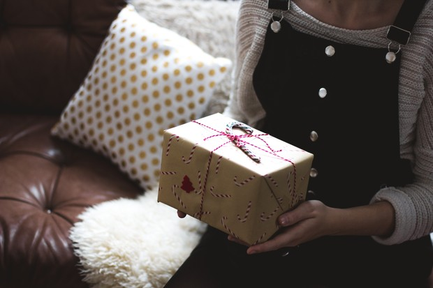 Pasanganmu bahasa cintanya adalah receiving gift