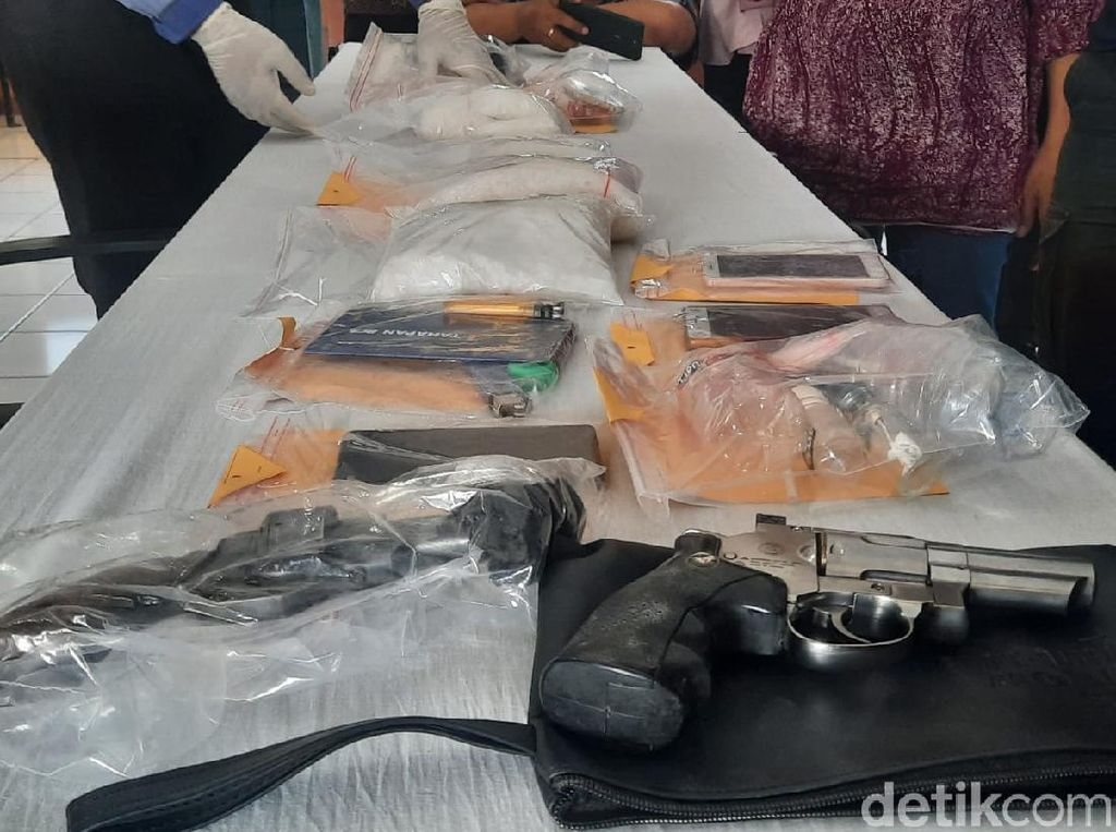 4 Kurir Narkotika Jaringan China Ditangkap, Barbuk 4 Kg Sabu